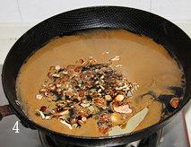 酱肉,将酱油,黄酒,白砂糖倒入锅中,再加入香料和白砂糖.烧开,搅拌至白砂 糖融化