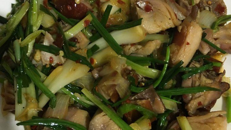 野葱炒熏兔肉