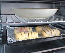 红豆沙面包卷,将整形后的面包放入烤盘,在上层烤架放一盘热水,启动发酵功能做最后发酵,时间为40分钟。