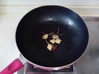 豉油鸡,煸炒至焦金色即可。