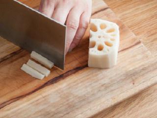 糖醋素排骨,藕切段