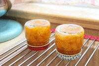 蜂蜜金桔茶,装入瓶子,倒扣晾凉,放冰箱冷藏保存。吃的时候挖两勺冲水。