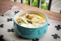 冬笋土鸡汤,一碗好喝的鸡汤就做好了。