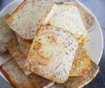 荔浦芋头扣肉,用油炸/煎透,至芋头片表面发黄