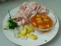 腐乳红烧猪蹄,原料图。