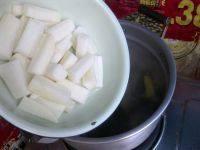 萝卜海带排骨汤,这时候再放入白萝卜