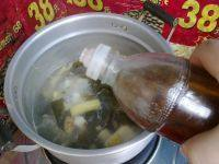 萝卜海带排骨汤,临出锅前,淋上少许香油