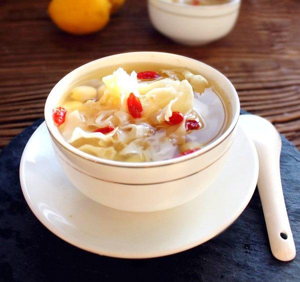 仙菇荸荠莲子汤