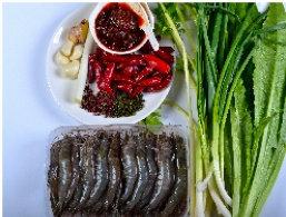 水煮虾滑,准备好主材料,该洗的洗净。