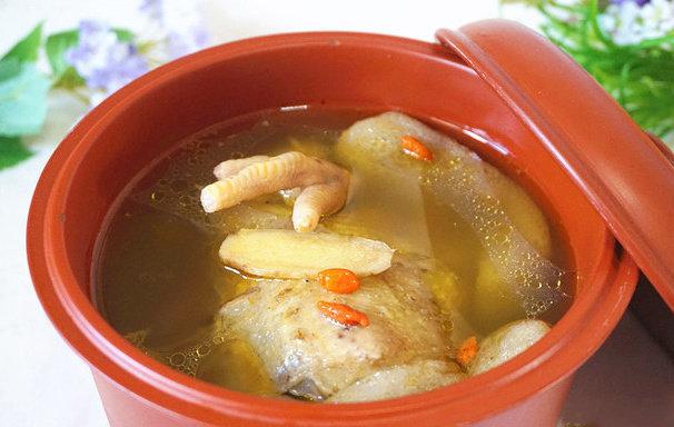 浓香竹荪鸡汤