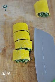 马兰核桃鸡蛋卷,取出切成小段即可食用。
