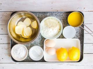 柠檬塔,准备所需塔皮与柠檬酱原料;塔皮中的黄油需提前置于室温软化