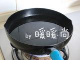 家常烧豆腐,煮一锅开<a style='color:red;display:inline-block;' href='/shicai/ 156925'>水</a>。