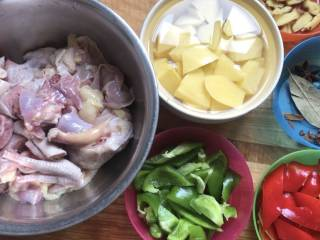 大盘鸡拌面,准备食材