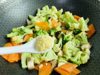 杂炒蔬菜,鸡精调味