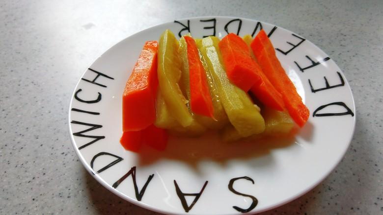 泡萝卜条,中午吃饺子来一盘小泡萝卜条清脆爽口。
