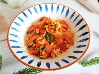西红柿香肠鸡蛋拌面,西红柿香肠鸡蛋拌面成品图