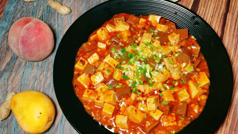 鲜嫩十足下饭神器鸭血豆腐,成品