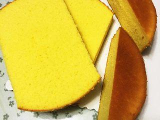 汽车总动员麦昆汽车蛋糕,海绵蛋糕切开