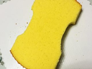 汽车总动员麦昆汽车蛋糕,刻出凹陷,做出流线型