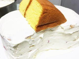汽车总动员麦昆汽车蛋糕,切好其他部分造型
