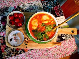 酸汤番茄汁乌蛋面