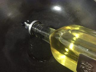 蓑衣黄瓜,起锅,热锅凉油、中小火