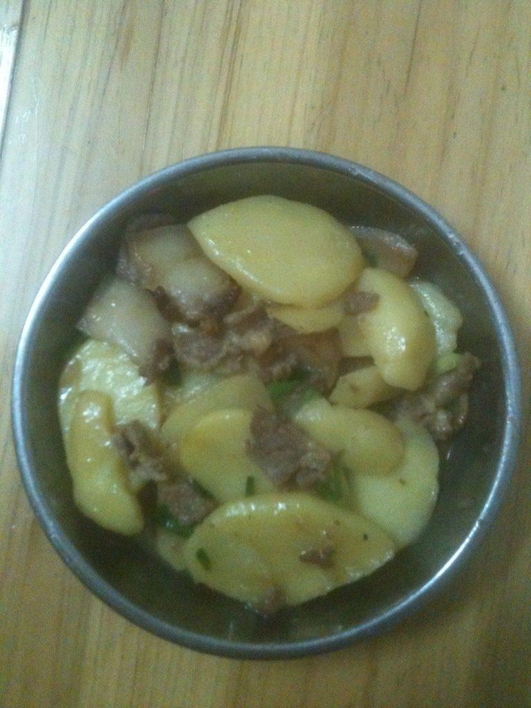 五花腩烩土豆