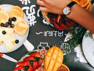 #春日烘焙教室#裸蛋糕,待凉的时候可以切水果;