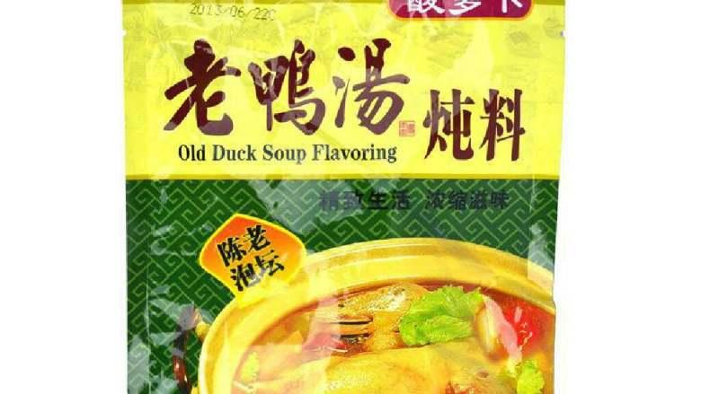 酸萝卜老鸭汤,准备一袋酸萝卜炖料