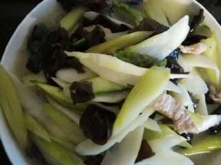 清炒茭白芦笋