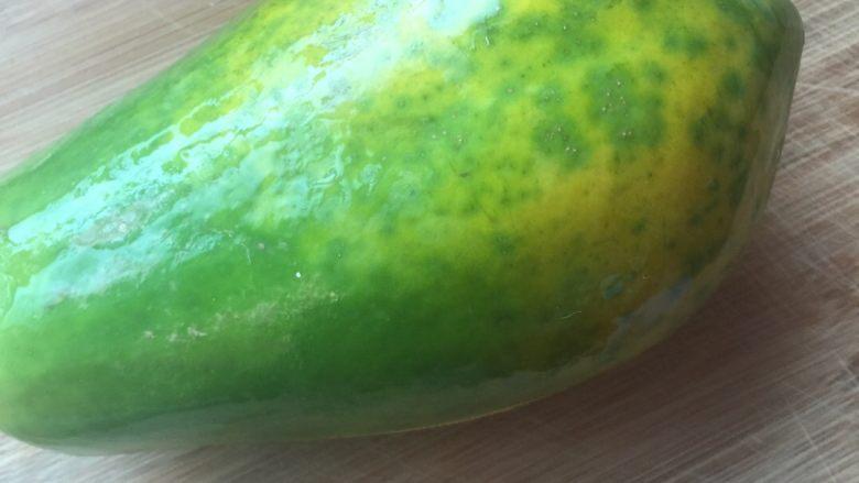 木瓜炖猪尾巴,洗净泡皮