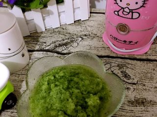 初夏水果季·自制青瓜汁,如图,过滤出来的渣渣,可以拿去做面膜!