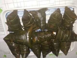 甜咸粽子,仔排梅干菜粽子。