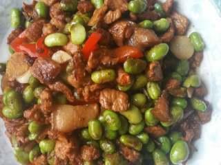 肉炒毛豆,完成。