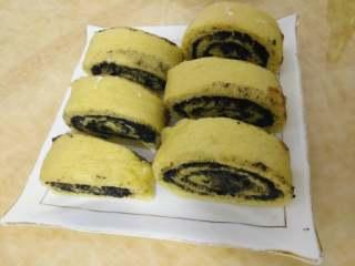 黑芝麻南瓜馒头!,卷好上锅蒸20分钟,关火焖3分钟,切块吃吧!