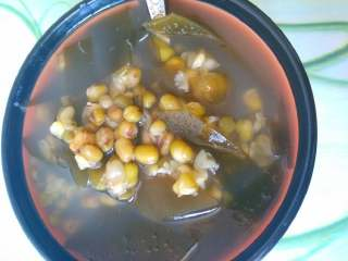 冰镇绿豆汤,冰凉的,热天吃太爽了