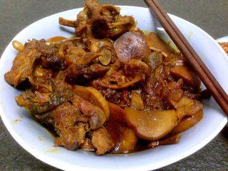 杏鲍菇与鸡叉骨-酱香