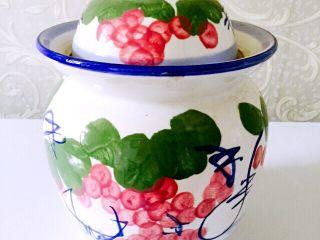 鱼露酱咸菜#有个故事#,把腌制咸菜的罐子洗净后用热水烫一下、凉干