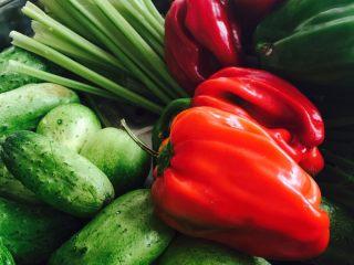 鱼露酱咸菜#有个故事#,蔬菜洗净切成条