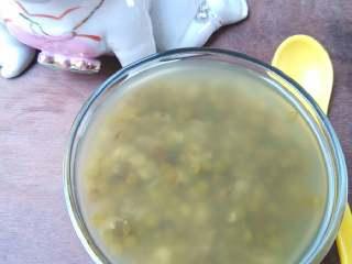 荷叶绿豆汤,冷藏后口感更佳哦