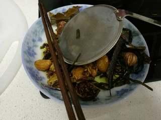 秘制糍粑辣椒酱, 捞浸香料