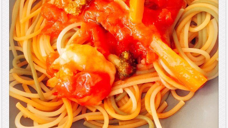 番茄炖阿根廷红虾配五色意大利面