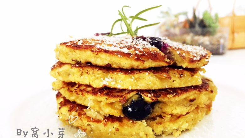 香蕉蓝莓松饼