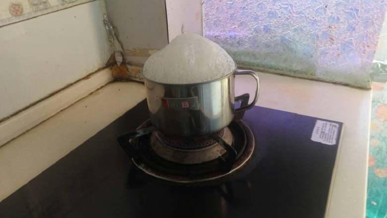 甜玉米(肯德基版),中小火煮20分钟。