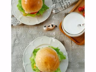 基础汉堡胚,早餐煎个蛋或是夹片肉,夹生菜,就是美美的元气早餐!