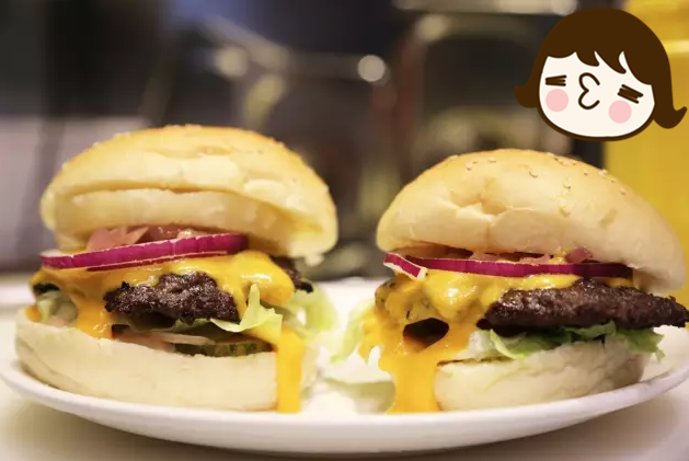 芝士酱牛肉汉堡