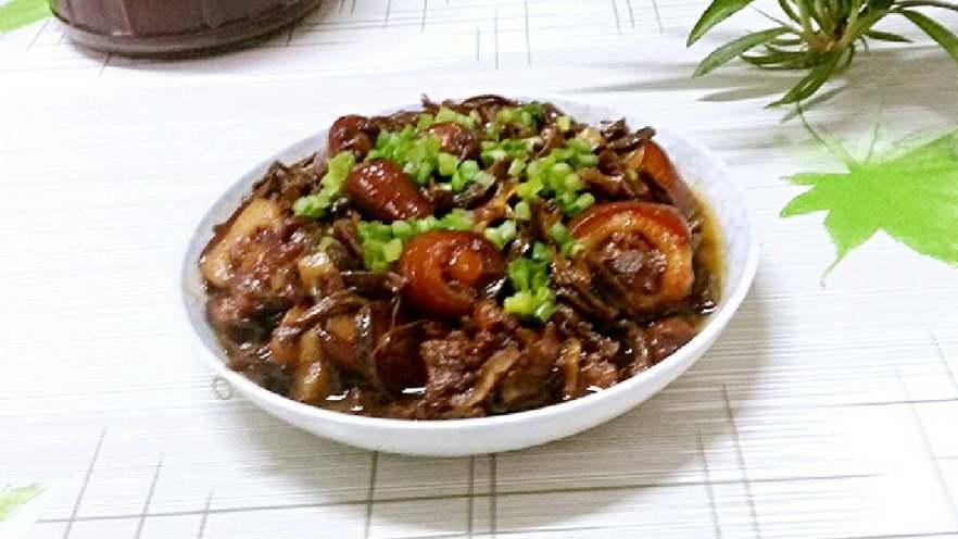猪尾巴焖豇豆干(红烧)