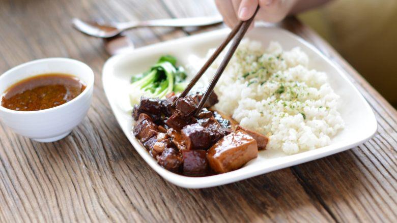 千页豆腐红烧肉盖浇饭