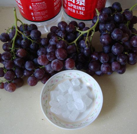 酸葡萄也有春天:自制葡萄汁 ,材料